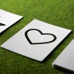 結婚相手との相性を見る占いのポイント。おすすめの占い方法と占い師
